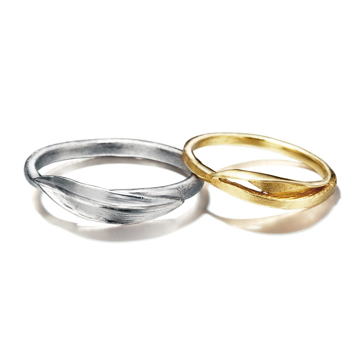 ALEX MONROE - Tulip Leaf  Marriage Rings